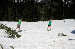 GetKnit Events Guru, Jess, Having a snowball fight in MN in a t-shirt