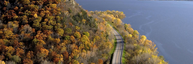 fall-foliage-river-road